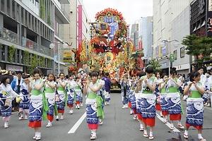 八戸三社大祭の山車行事 はちのへさんしゃたいさいのだしぎょうじ
