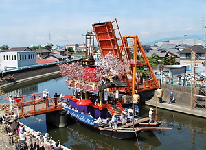 須成祭の車楽船行事と神葭流し すなりまつりのだんじりぶねぎようじとみよしながし