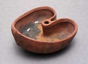 田名塩田遺跡群出土のクルミ形土器  たなしおだいせきぐんしゅつどのくるみがたどき