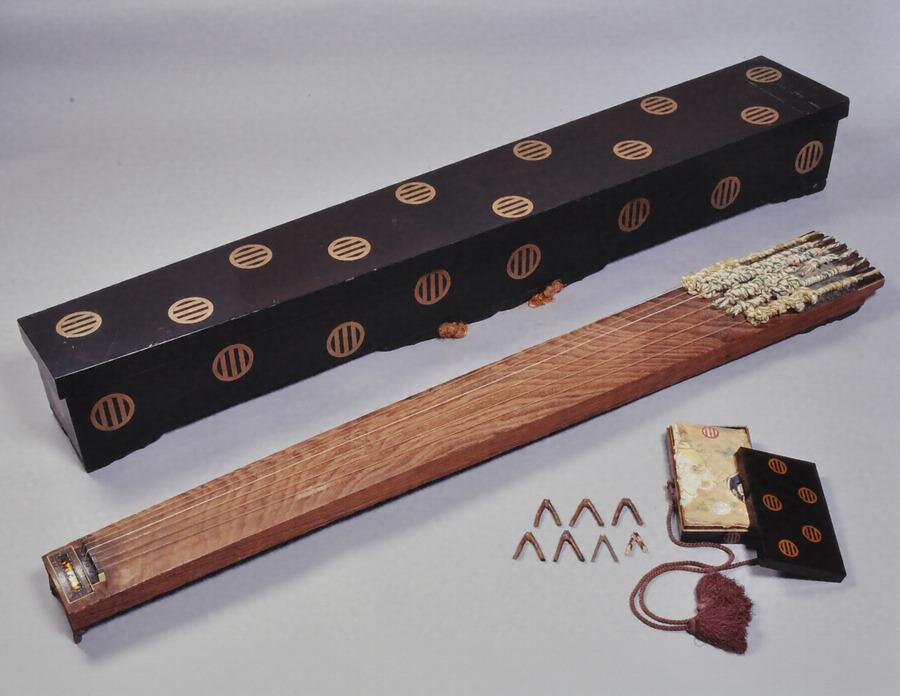 伝統的な和楽器の種類とその歴史についての紹介のサムネイル画像