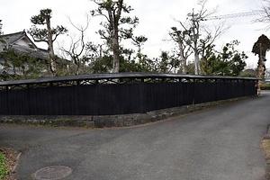 吉岡家住宅塀 よしおかけじゅうたくへい
